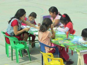 Tarde cultural para niños en el distrito de Santa